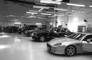 av-solutions-bury-manchester-workshop-cars