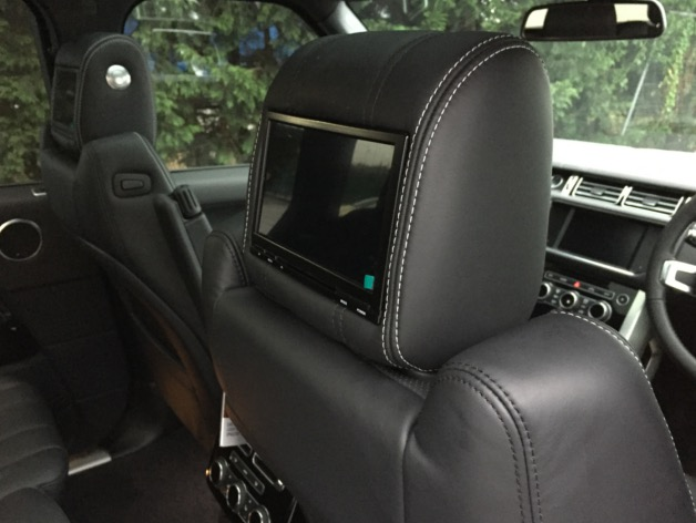 Range Rover Vogue Rear DVD Package (3)