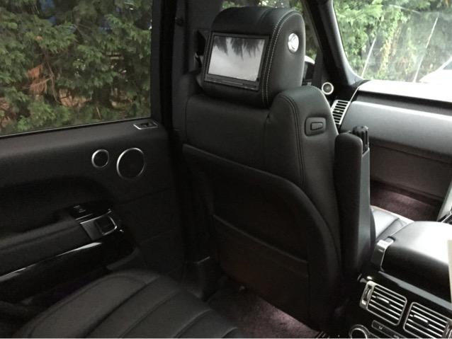 Range Rover Voque Rear DVD  (2)