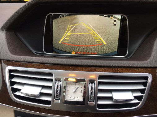 Mercedes E Class reversing camera aftermarket (5)