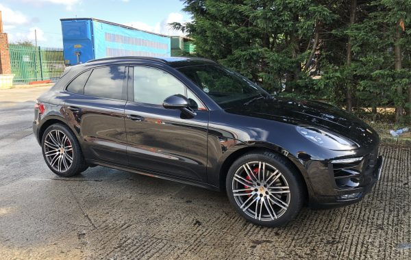 Macan GTS front & rear parking cameras