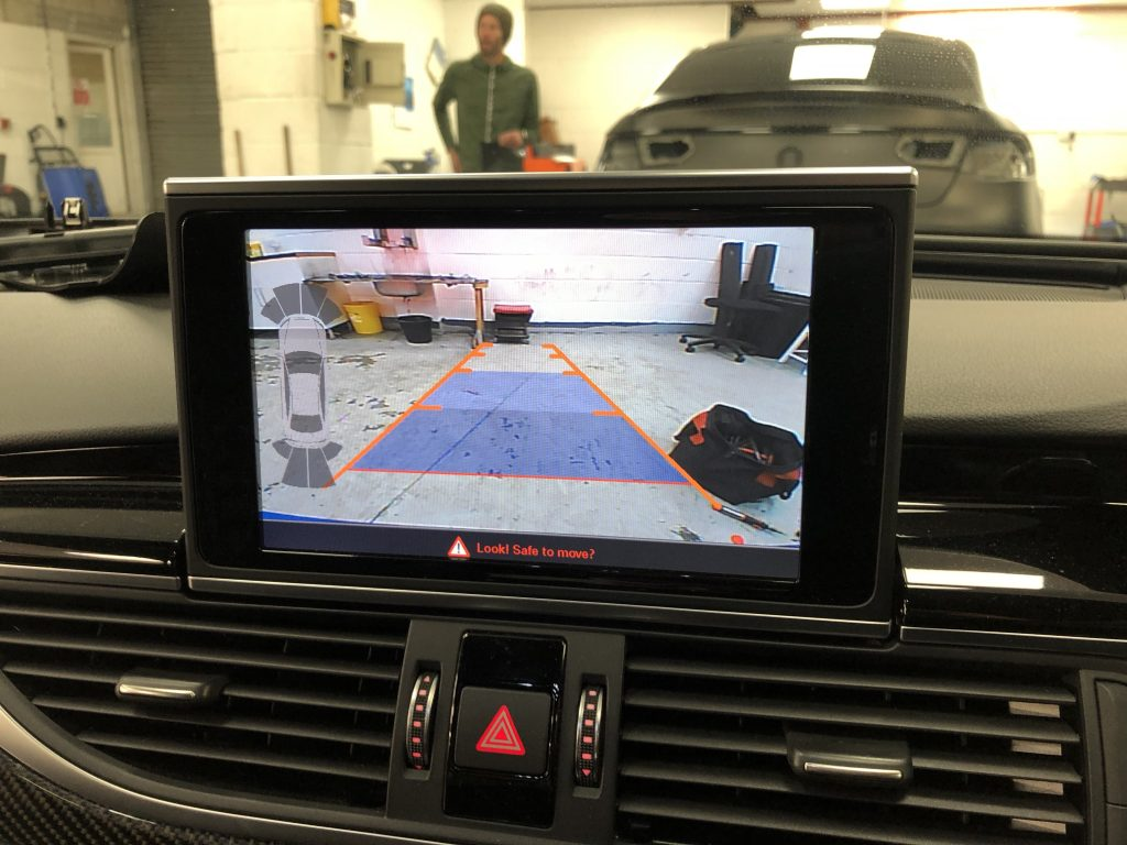 Audi-RS6-mib-reverse-camera-image